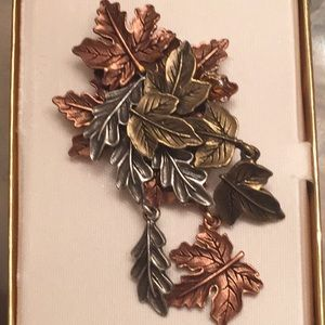 Beautiful Fall Leaves Tri-Gold Style Brooch